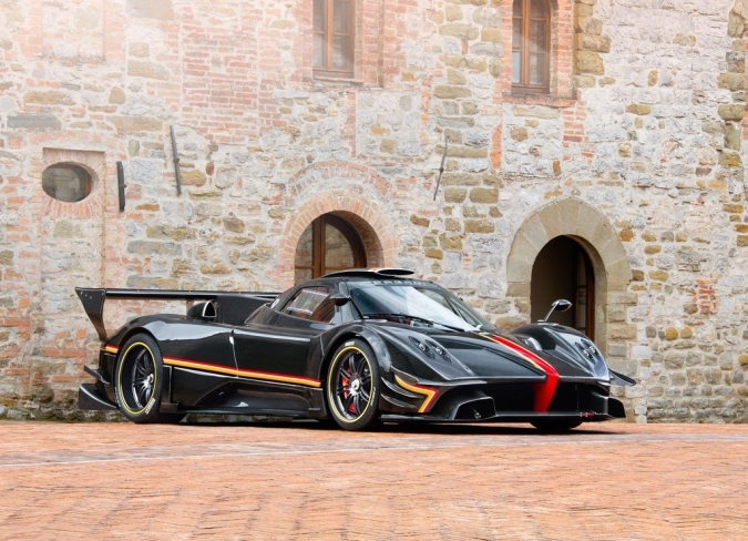 2014-Pagani-Zonda-Revolucion-Wallpapers