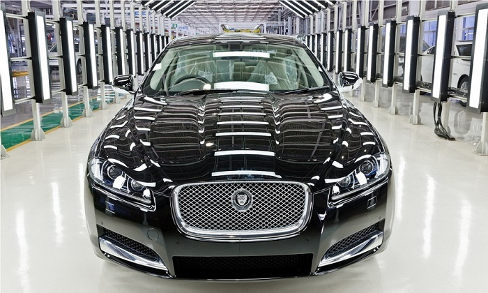 Black-Luxury-New-Jaguar-XF