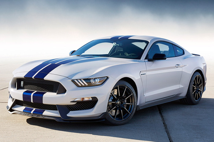 2015 Ford Mustang Shelby GT350; top car design rating and specifications